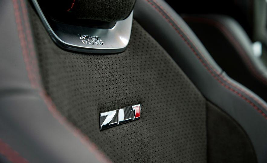 2017 Chevrolet Camaro ZL1 coupe - Slide 11