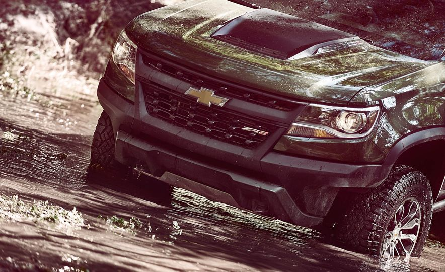 2017 Chevrolet Colorado ZR2 - Slide 5