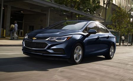 TDI Tonic: Chevrolet Cruze Diesel Sedan Gets Up to 52 MPG