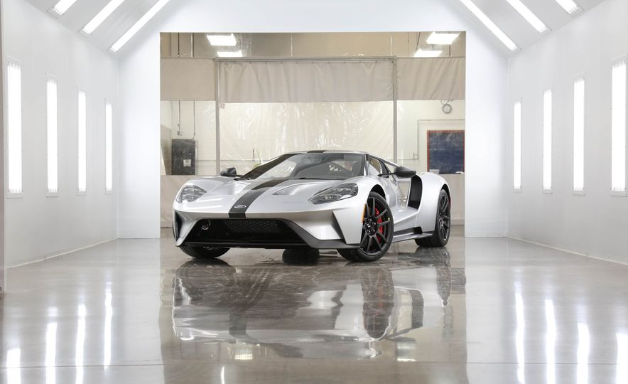 2017 Ford GT Competition Series - Slide 1