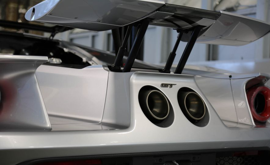 2017 Ford GT Competition Series - Slide 9
