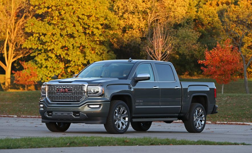 2017 GMC Sierra 1500 - Slide 1
