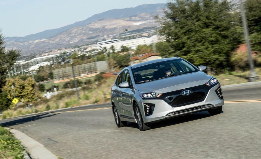 2017 Hyundai Ioniq Electric - Slide 1