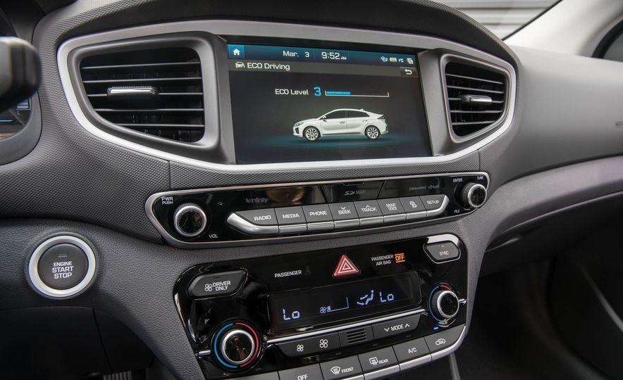 2017 Hyundai Ioniq hybrid - Slide 25