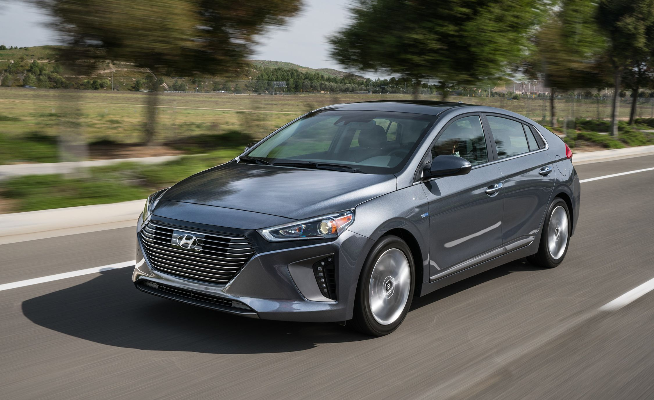 Wonderful 2017 Hyundai Ioniq Hybrid  Photo Gallery  Car And Driver