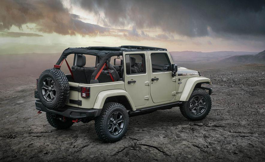 2017 Jeep Wrangler Rubicon Recon Edition - Slide 2