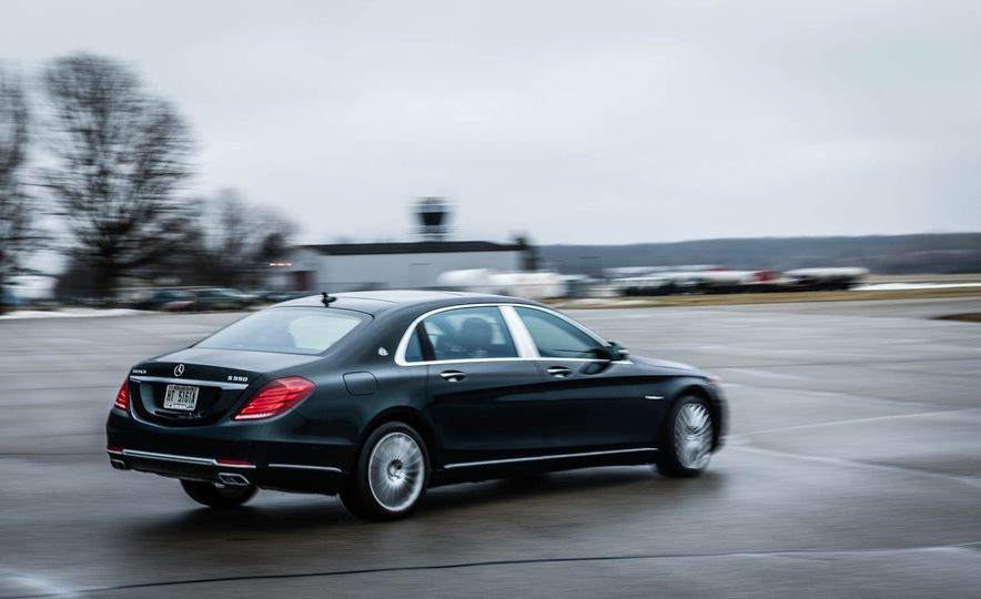 2017 Mercedes-Maybach S550 4MATIC - Slide 9