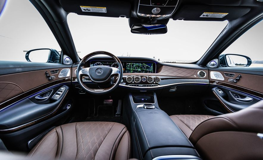 2017 Mercedes-Maybach S550 4MATIC - Slide 22