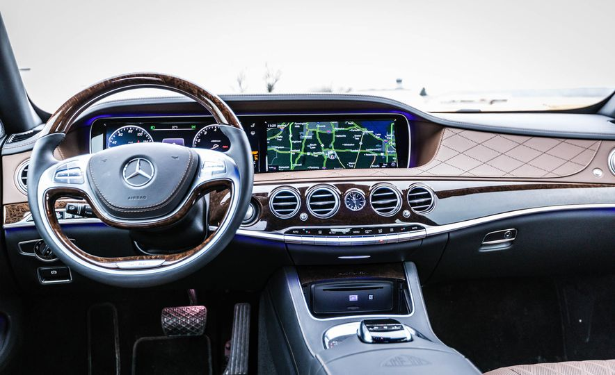 2017 Mercedes-Maybach S550 4MATIC - Slide 23