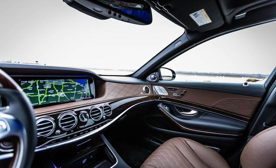2017 Mercedes-Maybach S550 4MATIC - Slide 26
