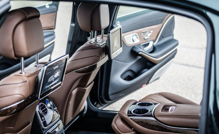 2017 Mercedes-Maybach S550 4MATIC - Slide 37
