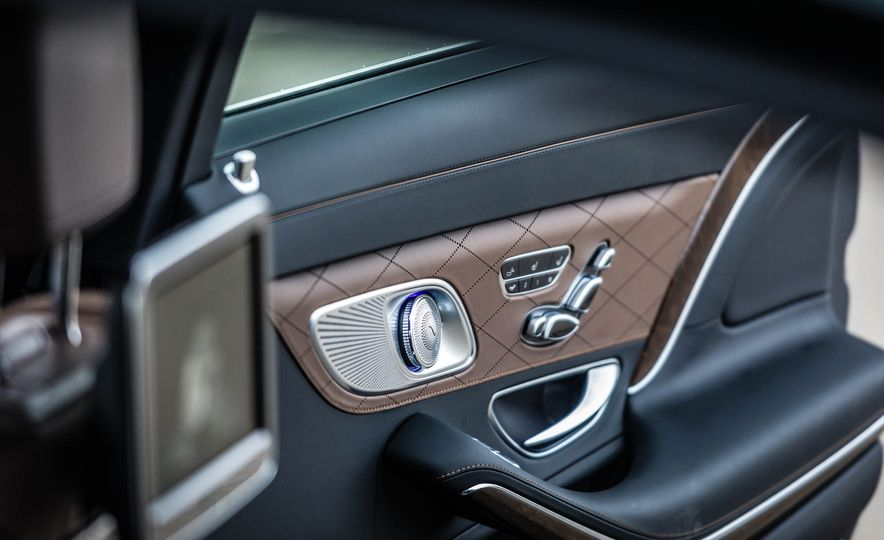 2017 Mercedes-Maybach S550 4MATIC - Slide 48