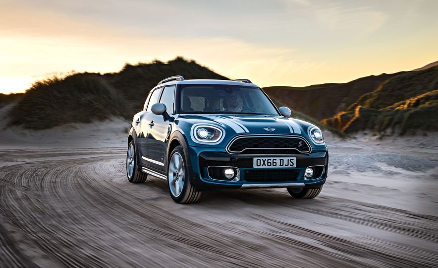 2017 Mini Cooper S Countryman ALL4 - Slide 1
