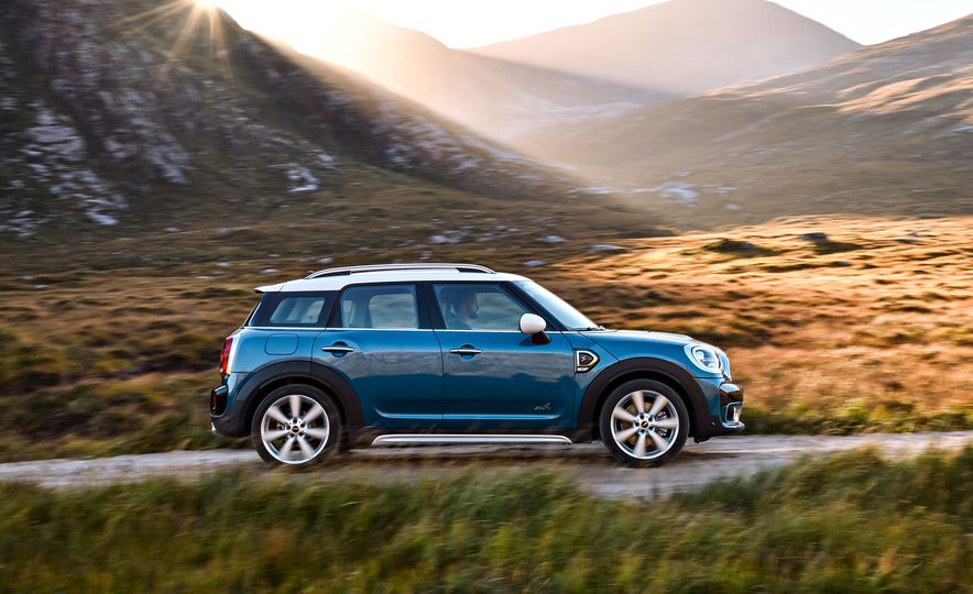 2017 Mini Cooper S Countryman ALL4 - Slide 3