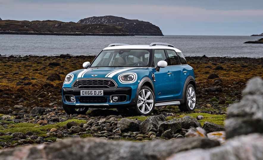 2017 Mini Cooper S Countryman ALL4 - Slide 12