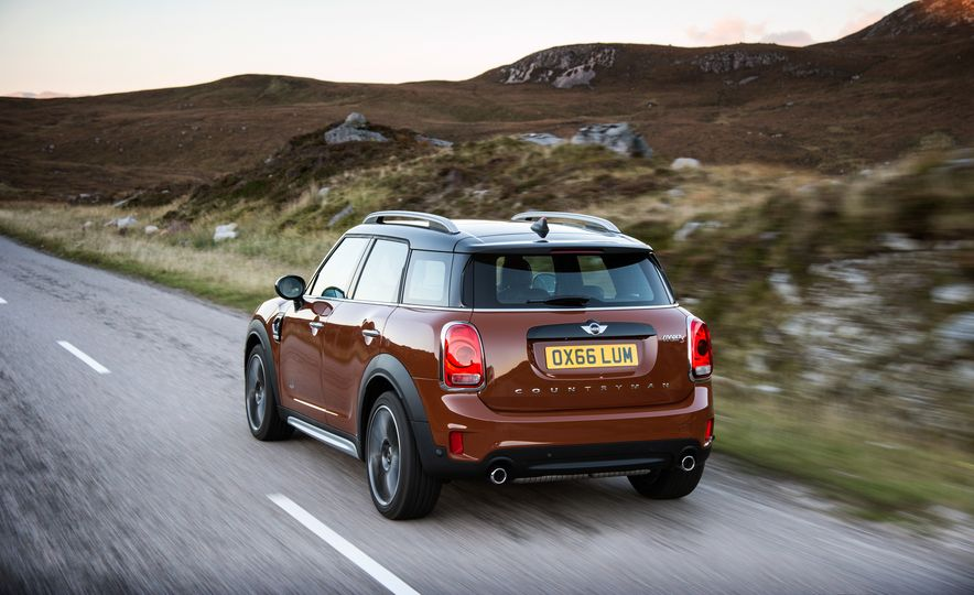 2017 Mini Cooper S Countryman ALL4 - Slide 29