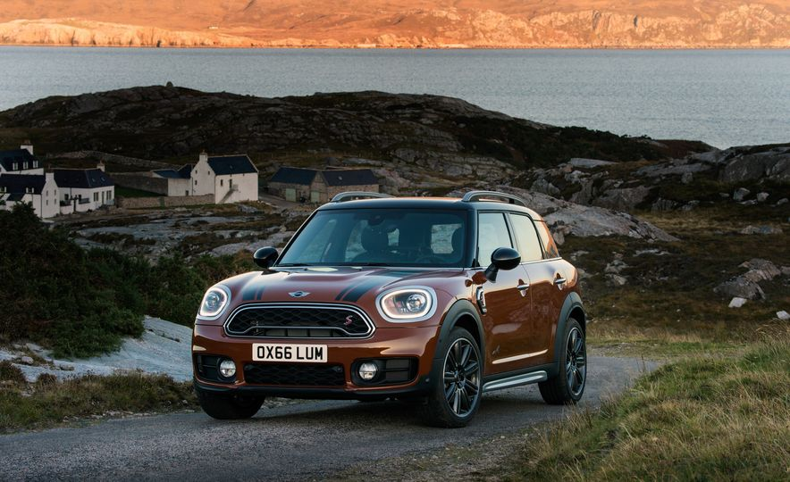 2017 Mini Cooper S Countryman ALL4 - Slide 33