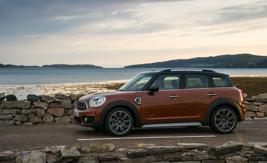 2017 Mini Cooper S Countryman ALL4 - Slide 34