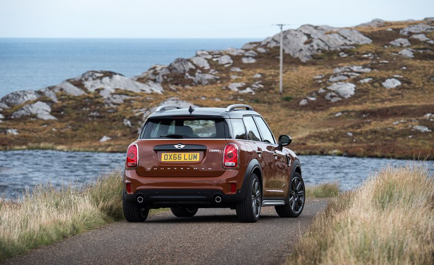 2017 Mini Cooper S Countryman ALL4 - Slide 35