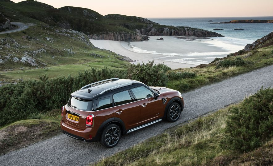 2017 Mini Cooper S Countryman ALL4 - Slide 37