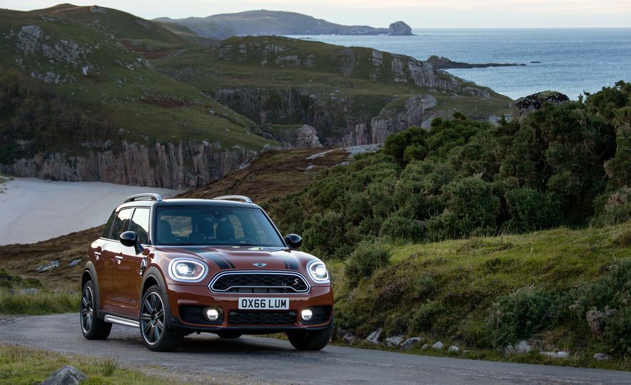 2017 Mini Cooper S Countryman ALL4 - Slide 38