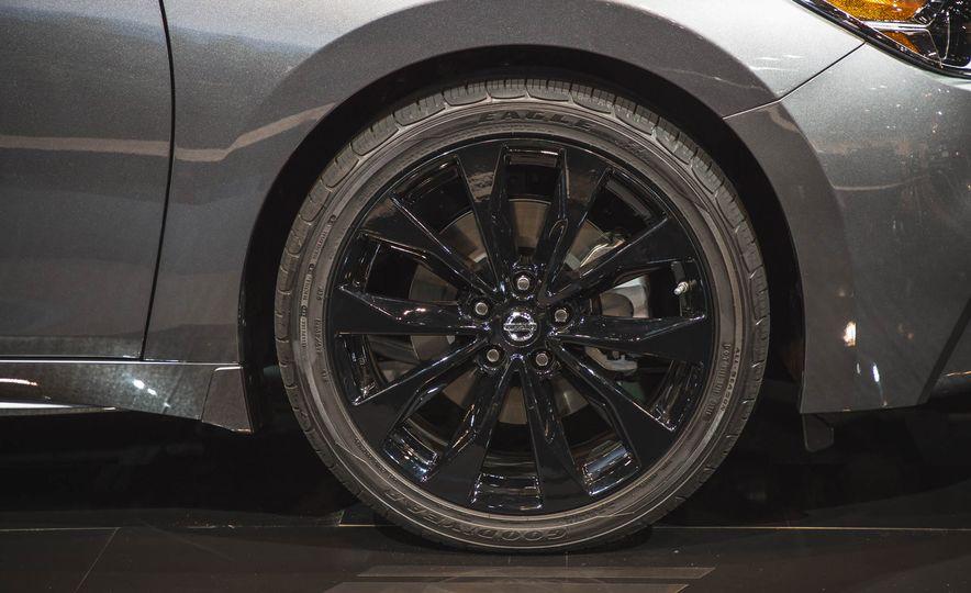 2017 Nissan Sentra Midnight Edition - Slide 12