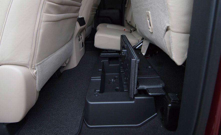 2017 Nissan Titan King Cab - Slide 19