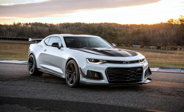 View 23 Photos 2018 Chevrolet Camaro Zl1 1le