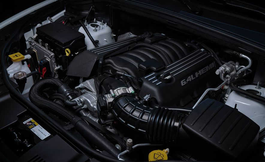 2018 Dodge Durango SRT - Slide 35
