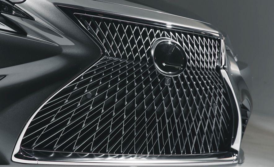 2018 Lexus LS500 - Slide 16