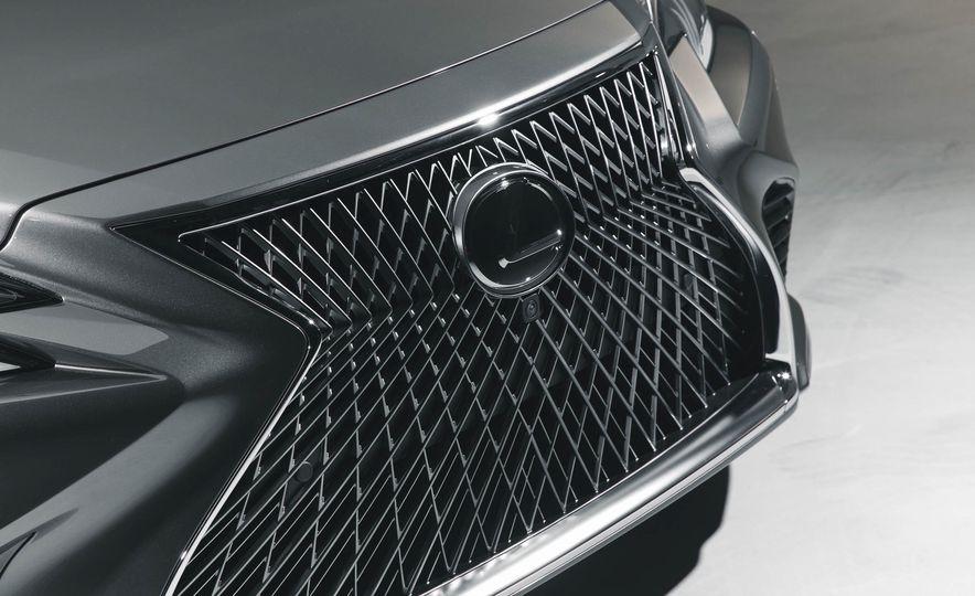 2018 Lexus LS500 - Slide 17