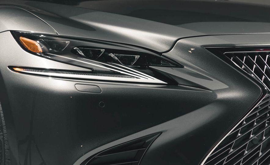 2018 Lexus LS500 - Slide 19