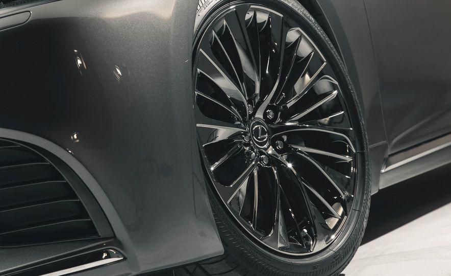 2018 Lexus LS500 - Slide 26