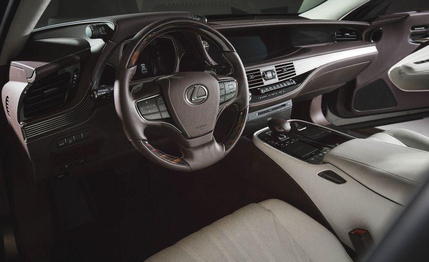 2018 Lexus LS500 - Slide 34