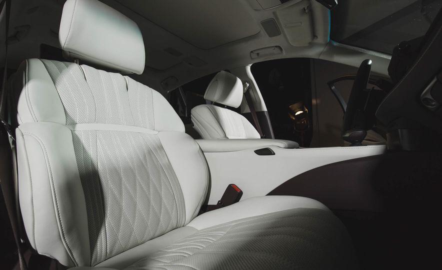 2018 Lexus LS500 - Slide 36