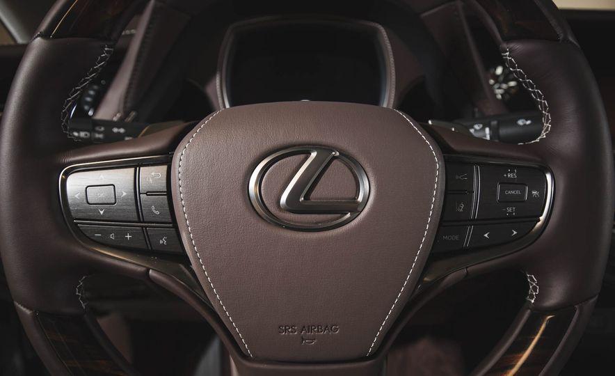 2018 Lexus LS500 - Slide 41