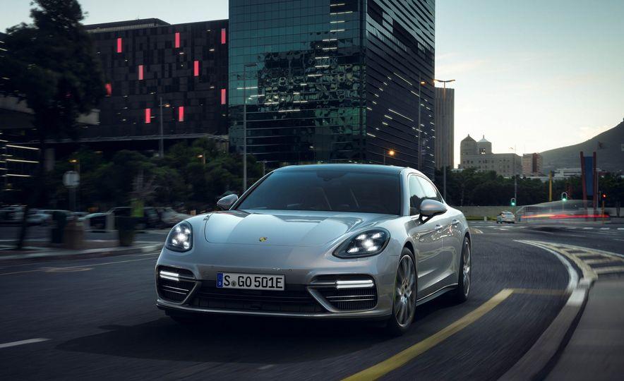 2018 Porsche Panamera Turbo S e-Hybrid - Slide 8