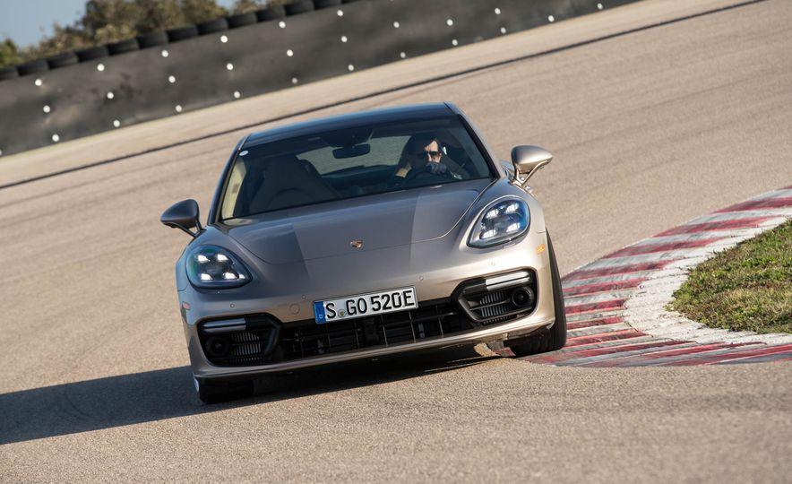 2018 Porsche Panamera Turbo S e-Hybrid - Slide 31