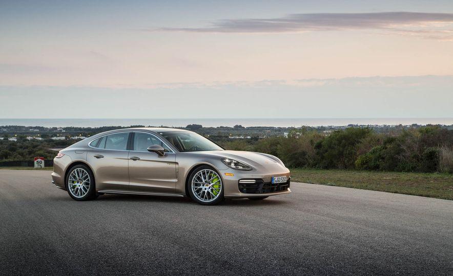2018 Porsche Panamera Turbo S e-Hybrid - Slide 36