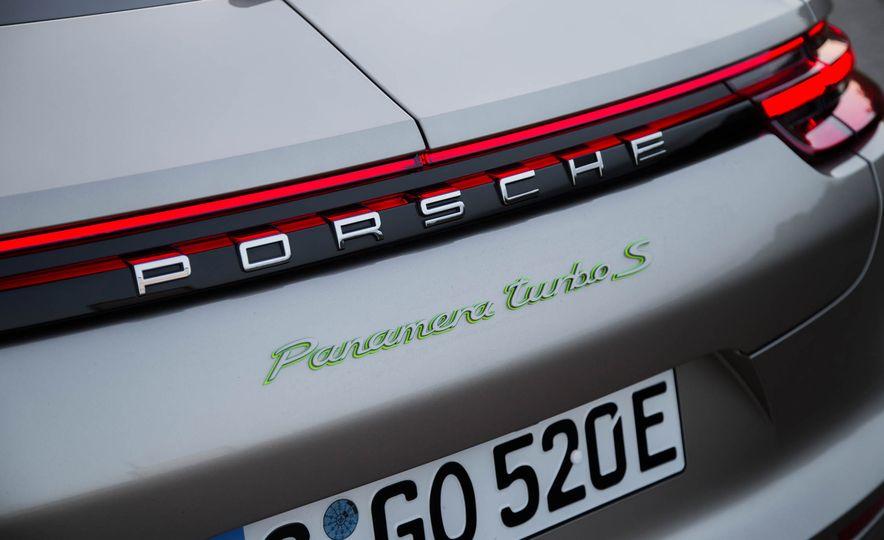 2018 Porsche Panamera Turbo S e-Hybrid - Slide 41