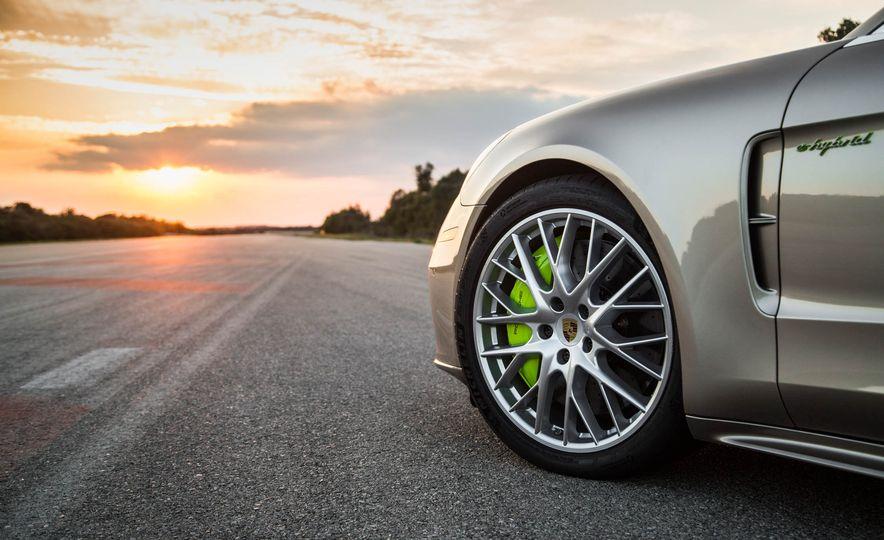 2018 Porsche Panamera Turbo S e-Hybrid - Slide 43