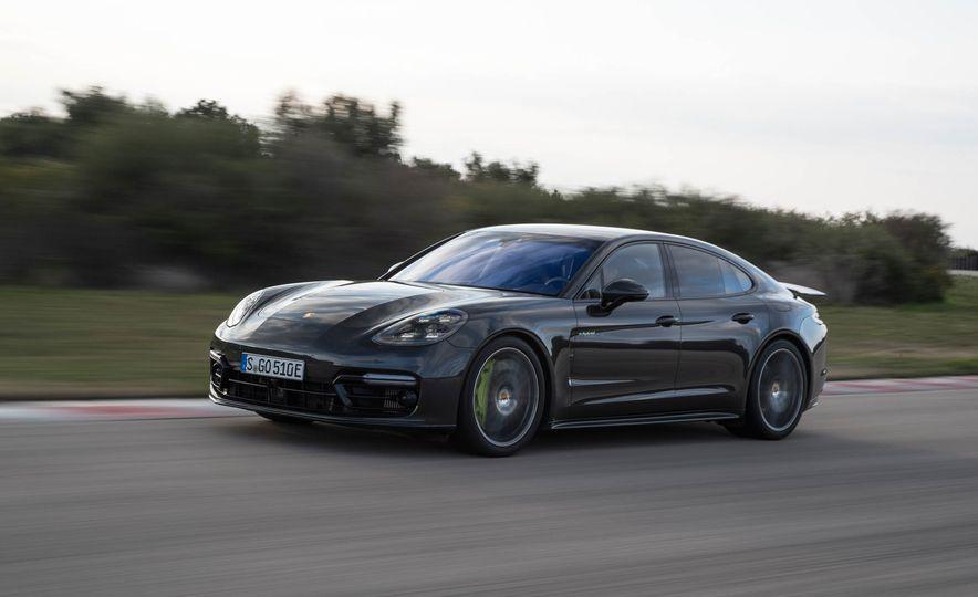 2018 Porsche Panamera Turbo S e-Hybrid - Slide 57