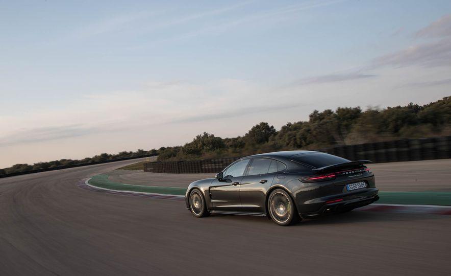 2018 Porsche Panamera Turbo S e-Hybrid - Slide 60