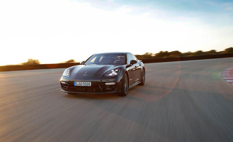 2018 Porsche Panamera Turbo S e-Hybrid - Slide 70