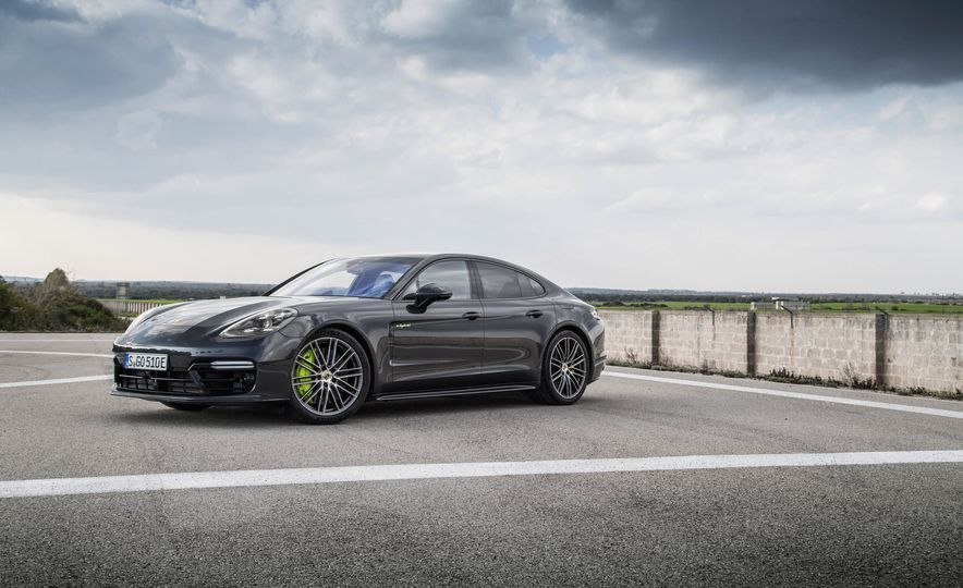 2018 Porsche Panamera Turbo S e-Hybrid - Slide 76