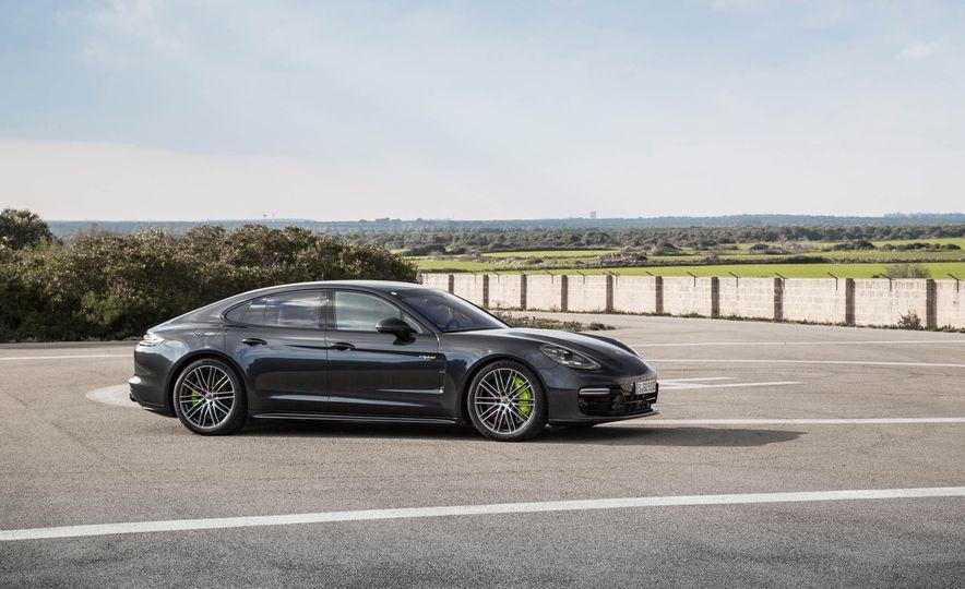 2018 Porsche Panamera Turbo S e-Hybrid - Slide 78