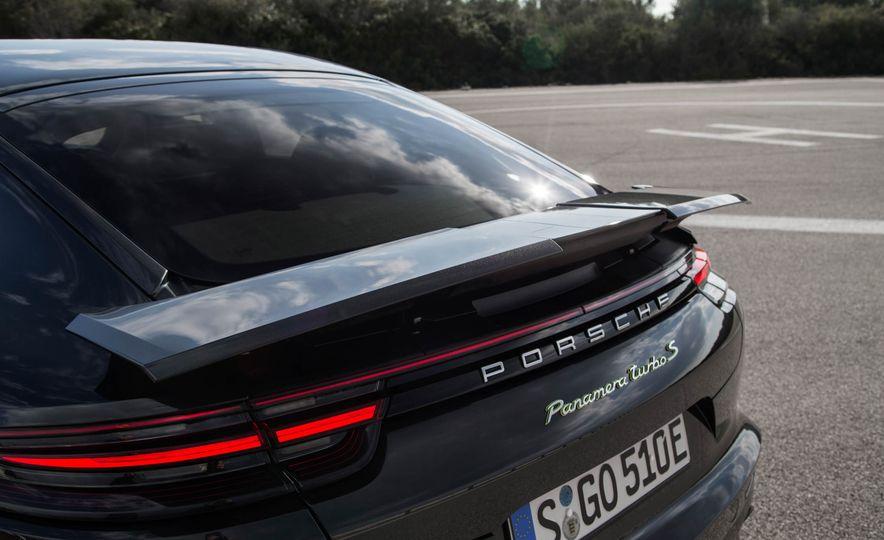 2018 Porsche Panamera Turbo S e-Hybrid - Slide 81