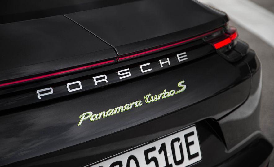 2018 Porsche Panamera Turbo S e-Hybrid - Slide 82