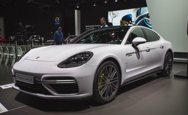 The 680-HP Porsche Panamera Turbo S E-Hybrid Is the New King of the Panamera Heap