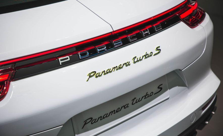 2018 Porsche Panamera Turbo S e-Hybrid - Slide 5